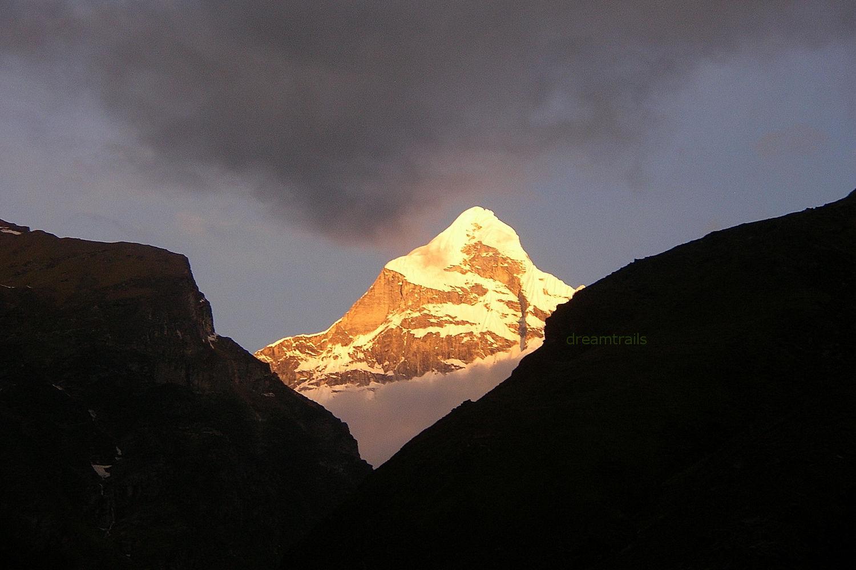 Golden Sunrise, Nilkant Mountain, Badrinath