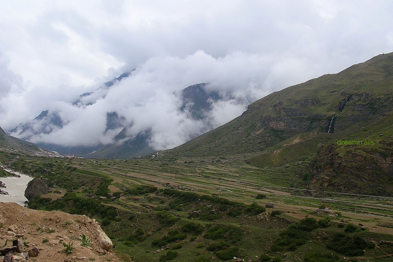 Awesome views of Himalayas at Badrinath